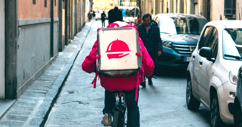 How to Build a Stunning Food Delivery App like Grubhub or UberEATS - Blog S-PRO